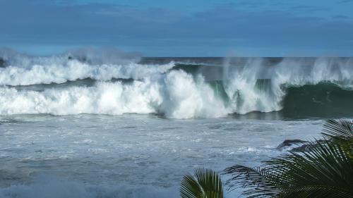 Waves-Hawaii
