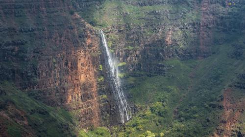 Helicopter-Waterfall-Hawaii